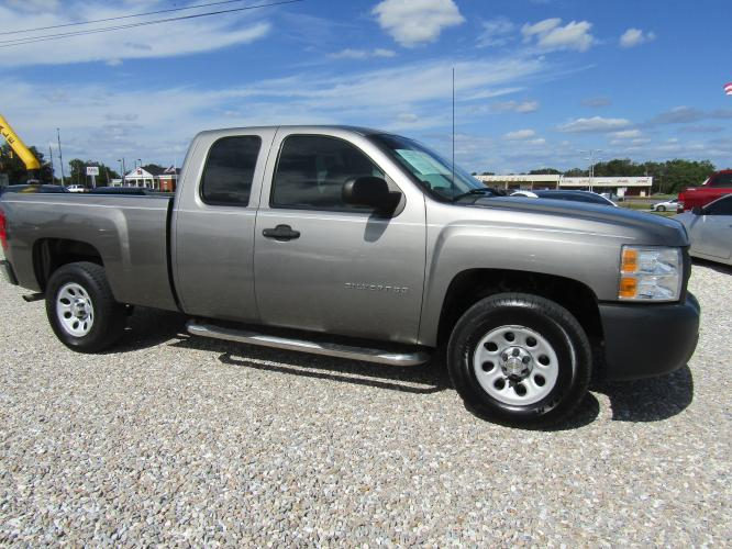 2012 Gray /Gray Chevrolet Silverado 1500 Work Truck Ext. Cab 2WD (1GCRCPEX7CZ) with an 4.3L V6 OHV 12V engine, 4-Speed Automatic transmission, located at 15016 S Hwy 231, Midland City, AL, 36350, (334) 983-3001, 31.306210, -85.495277 - Photo #0