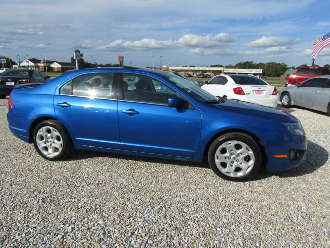 2011 Blue /Black Ford Fusion I4 SE (3FAHP0HA7BR) with an 2.5L L4 DOHC 16V engine, Automatic transmission, located at 15016 S Hwy 231, Midland City, AL, 36350, (334) 983-3001, 31.306210, -85.495277 - Photo #0