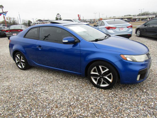 2010 Blue /Black Kia Forte Koup SX (KNAFW6A34A5) with an 2.4L L4 DOHC 16V engine, Automatic transmission, located at 15016 S Hwy 231, Midland City, AL, 36350, (334) 983-3001, 31.306210, -85.495277 - Photo #0