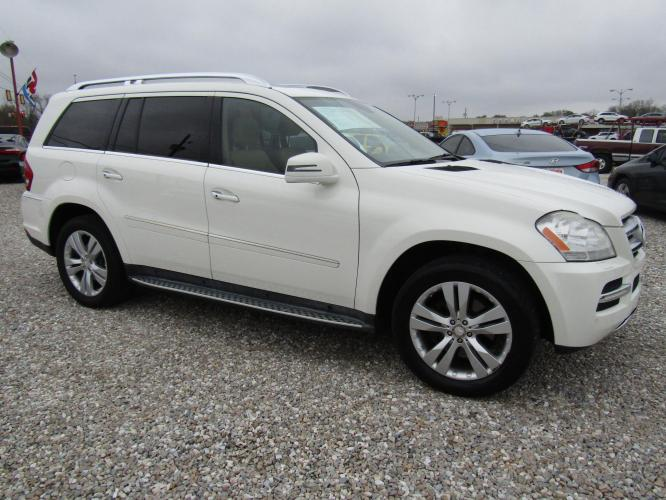 2012 White /Tan Mercedes-Benz GL-Class GL450 4MATIC (4JGBF7BE7CA) with an 4.7L V8 DOHC 32V engine, Automatic transmission, located at 15016 S Hwy 231, Midland City, AL, 36350, (334) 983-3001, 31.306210, -85.495277 - Photo #0