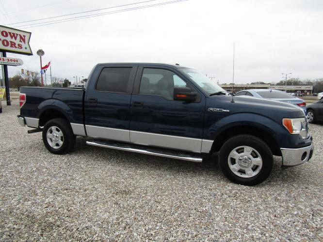 2013 Blue /Gray Ford F-150 FX2 SuperCrew 5.5-ft. Bed 2WD (1FTFW1CF0DF) with an 5.0L V8 engine, Automatic transmission, located at 15016 S Hwy 231, Midland City, AL, 36350, (334) 983-3001, 31.306210, -85.495277 - Photo #0