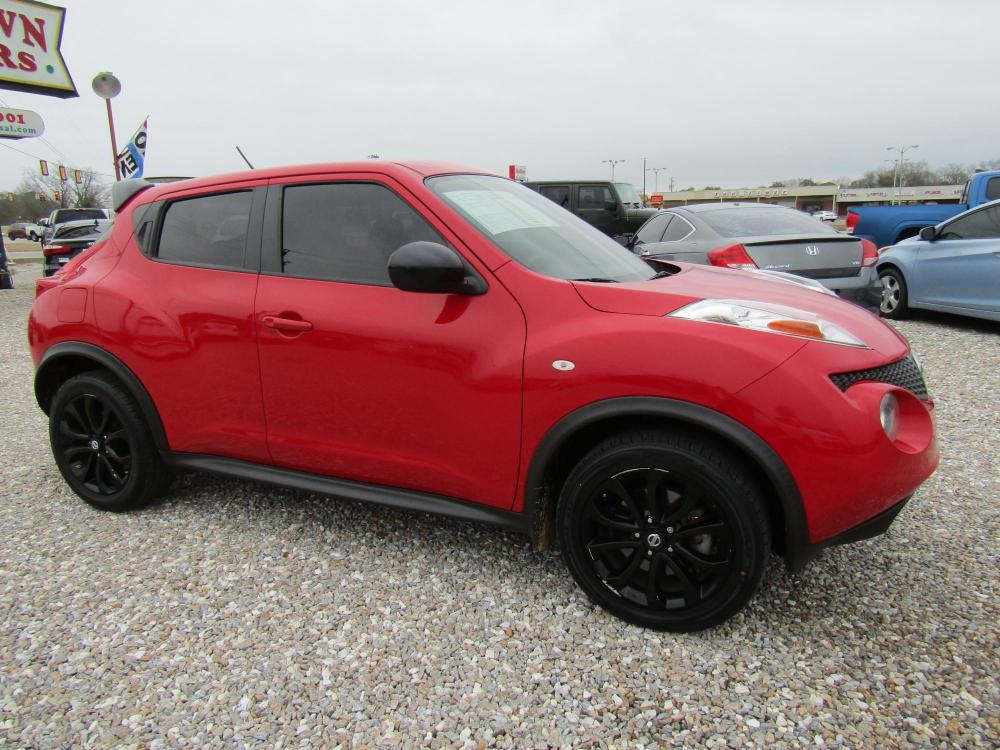 2014 Red /Black Nissan Juke S FWD (JN8AF5MR8ET) with an 1.6L L4 DOHC 16V engine, Continuously Variable Transmission transmission, located at 15016 S Hwy 231, Midland City, AL, 36350, (334) 983-3001, 31.306210, -85.495277 - Photo #0