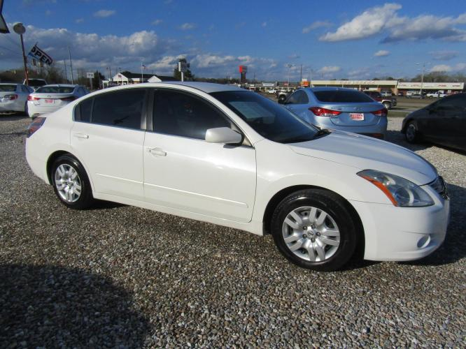 2011 White /Tan Nissan Altima 2.5 S (1N4AL2AP6BC) with an 2.5L L4 DOHC 16V engine, Automatic transmission, located at 15016 S Hwy 231, Midland City, AL, 36350, (334) 983-3001, 31.306210, -85.495277 - Photo #0