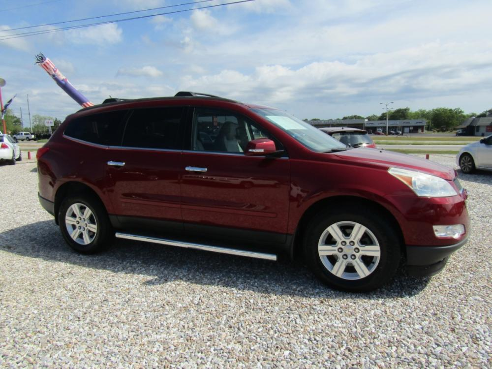 2011 Red /Tan Chevrolet Traverse 2LT FWD (1GNKRJED7BJ) with an 3.6L V6 DOHC 24V engine, Automatic transmission, located at 15016 S Hwy 231, Midland City, AL, 36350, (334) 983-3001, 31.306210, -85.495277 - Photo #0